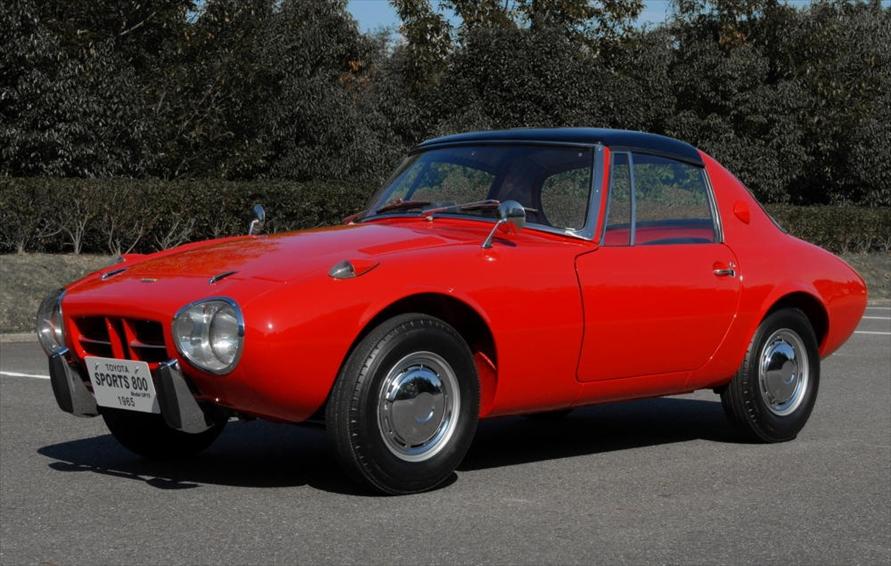 1967年に竣工した東富士工場で最初に生産されたのはトヨタスポーツ800だった
