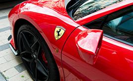 なぜフェラーリとポルシェのエンブレムは同じ「跳ね馬」なの? ルーツを探ってみた