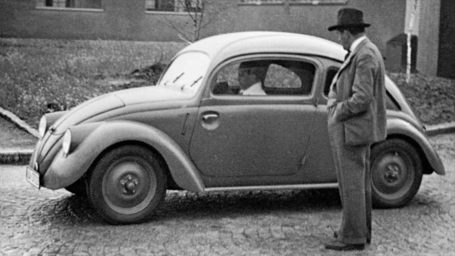 のちのフォルクスワーゲンとなるクルマのプロトタイプ(1937年)