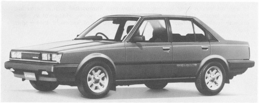 4AGエンジンを積んだ後輪駆動の「カリーナGT-R」は86レビン&トレノのセダンのような感覚。(写真:トヨタ自動車)