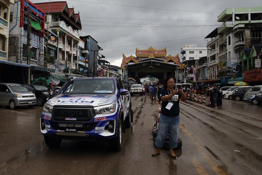 国境越えもAXCRの醍醐味(2019年 タイ、ミャンマーの国境)