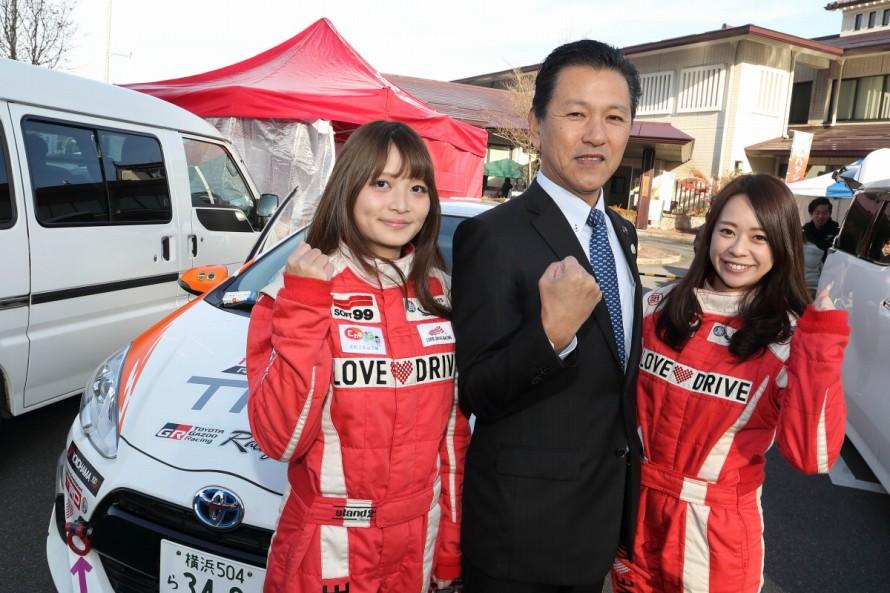 大会会長を務める恵那市長の小坂喬峰氏(写真中央)は閉会式にて来年もこのラリーを継続する意欲を見せた