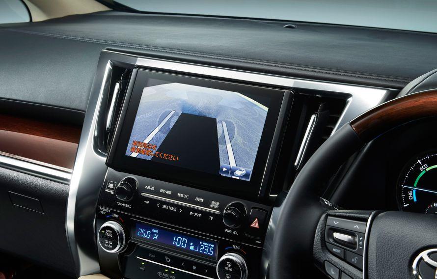 システムにより車両前方だけを映すこともできる。