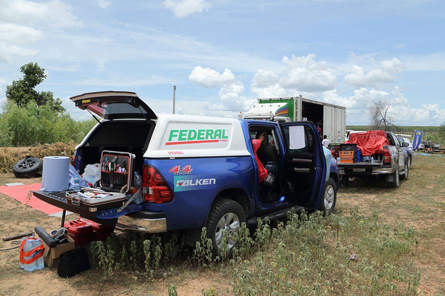タイでは荷台にキャノピーを装着して使われることも多く、2列シートのWキャブなら、ピックアップトラックでもSUV的な使い方ができる