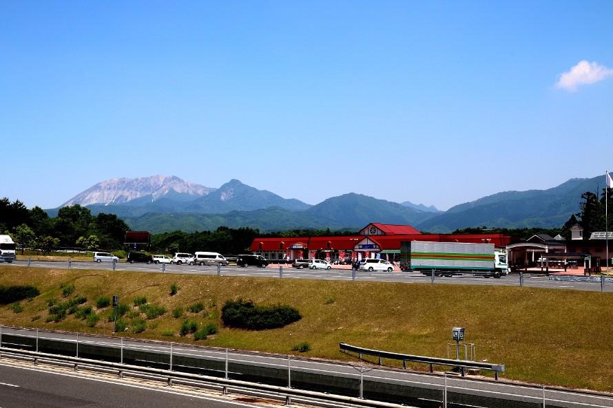 蒜山高原サービスエリア(下り線)から見える大山連峰