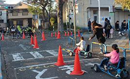 子どもが楽しく交通ルールを学べる「交通公園」ってどんなところ?