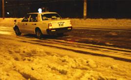 北海道のタクシーに4輪駆動車が少ないのはなぜ?