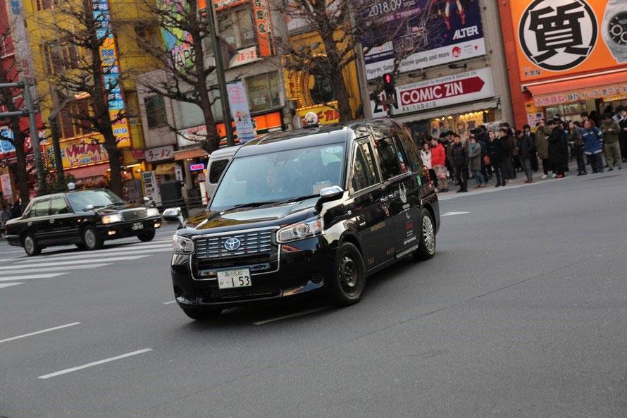 現在は「黒タク」という社内基準をクリアした優良乗務員のみがJPN TAXIに乗務しているが、今後は一般乗務員のタクシーもJPN TAXIに切り替えていくとのこと