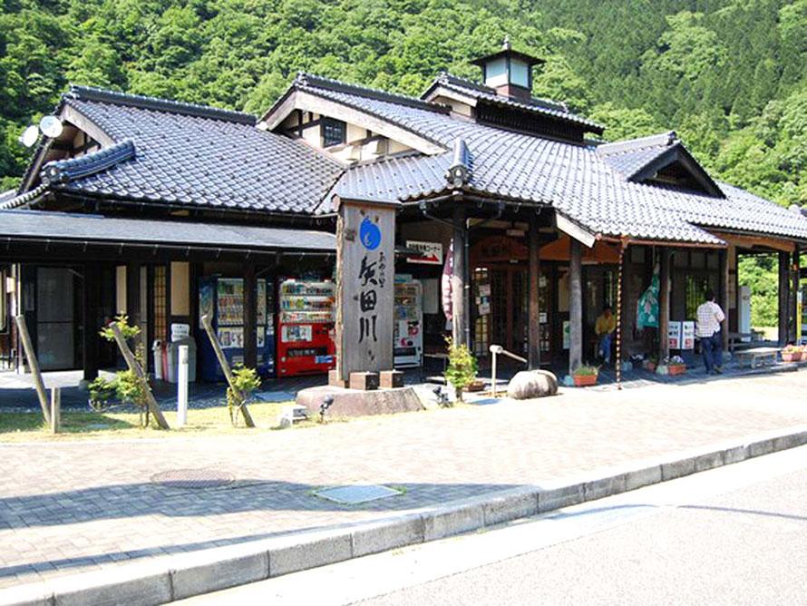 あたり一面には昭和へとタイムスリップできるかのような田園風景が広がる