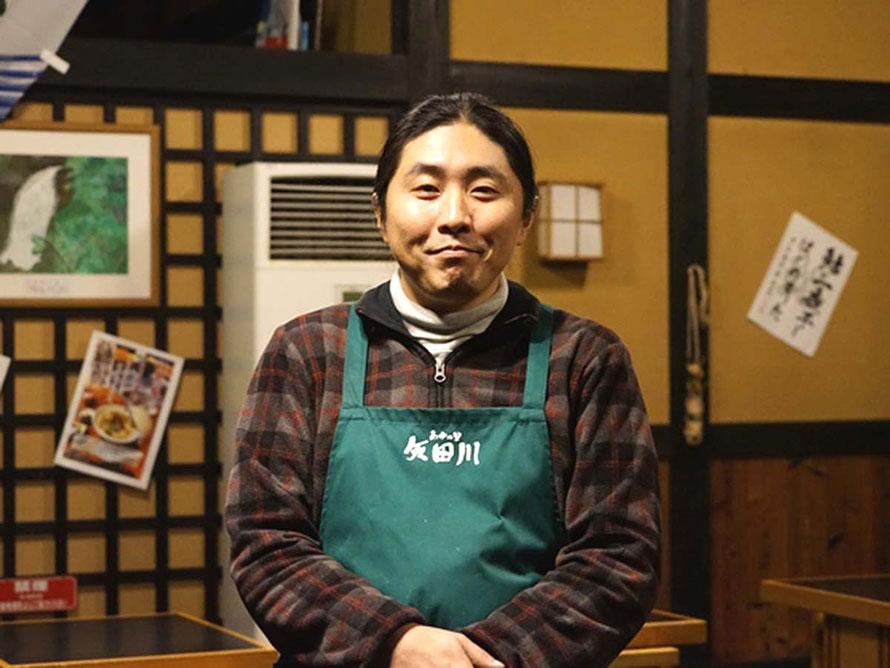 道の駅「あゆの里 矢田川」で駅長を務めるアセダイスケさん