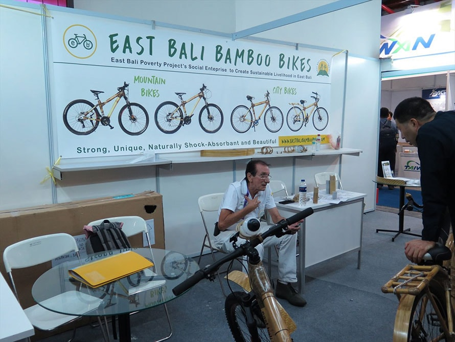 INABIKEでの変わり種。バリの竹を使った自転車。