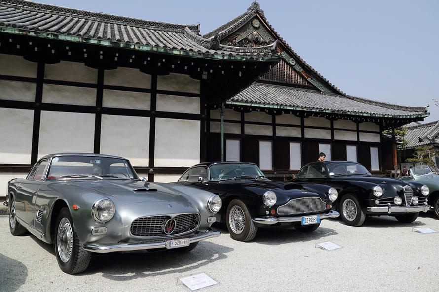 手前からマセラティ3500GT(1962年)、アストンマーティン DB4 3.7(1959年)、アルファロメオ 1900 C SS(1955年)