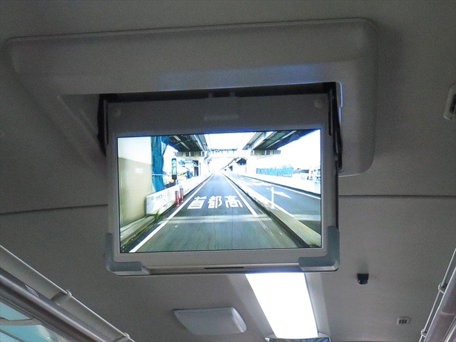 誤進入防止策が施された小松川入口。音、光、スピーカーからのメッセージで警告する
