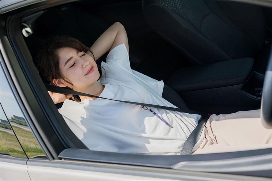 エアベッドにルーフネット……「車中泊好き」がお勧めする快適グッズはこれだ!