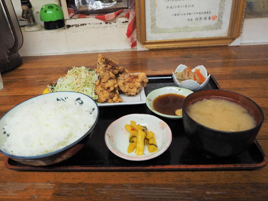500円でおなかいっぱいの唐揚げ定食