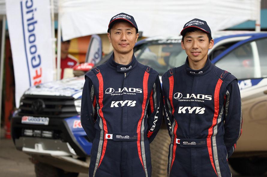 TEAM JAOSのドライバー 能戸智徳選手(右)とコ・ドライバー 田中一弘選手(左)