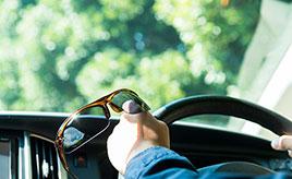 夏の日差し対策に! 自分に似合う快適なサングラスの選び方