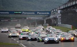 レイアウト変更で予測不能なレースに! 富士スピードウェイで行われた「ブランパンGTシリーズ・アジア」