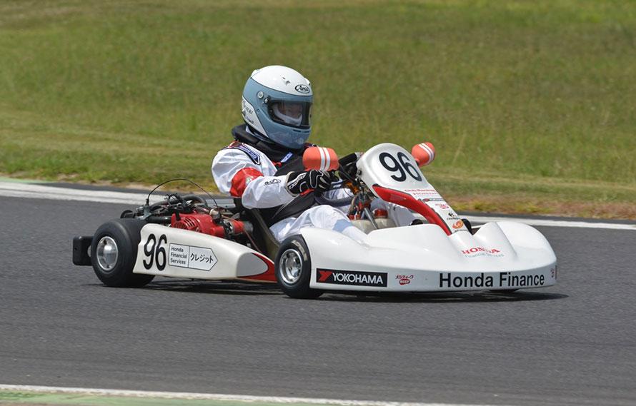 ▲最も手軽かつ、本格的にモータースポーツを楽しめるのがレーシングカートだ。