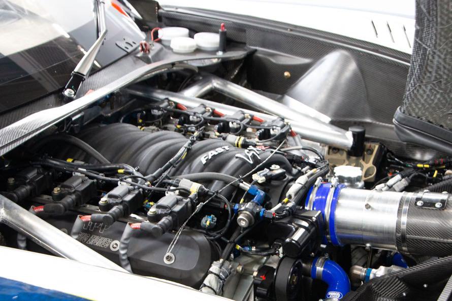 V8 6.2L OHVといういかにもアメリカンなエンジンが生み出す強烈なトルクで、日本・ヨーロッパ車勢に挑戦した