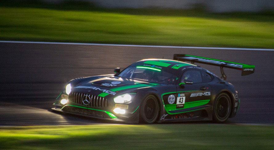 前回の記事で取り上げた43号車「メルセデスAMG チーム・ストラッカレーシング」は2位表彰台を獲得した
