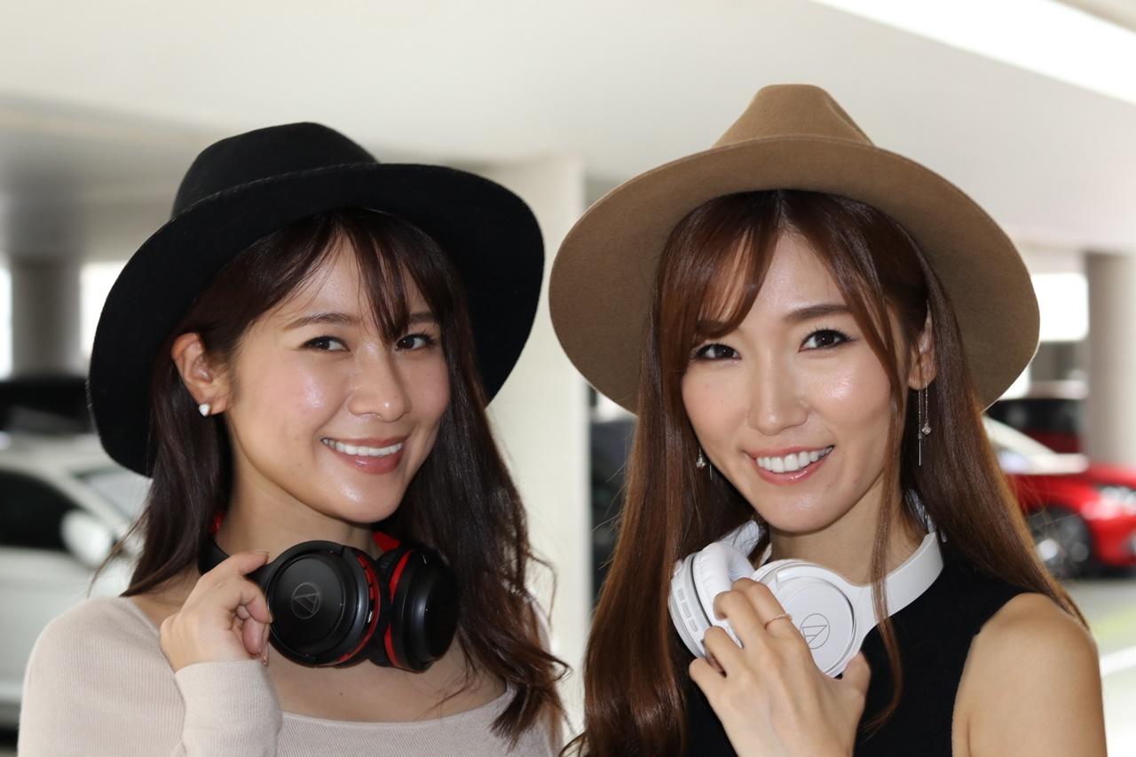 この日は日本レースクイーン大賞を受賞した立花サキさんと美波千夏さんも登場。イベントの進行の他、参加者たちと愛車の記念撮影を撮ったりしていた。