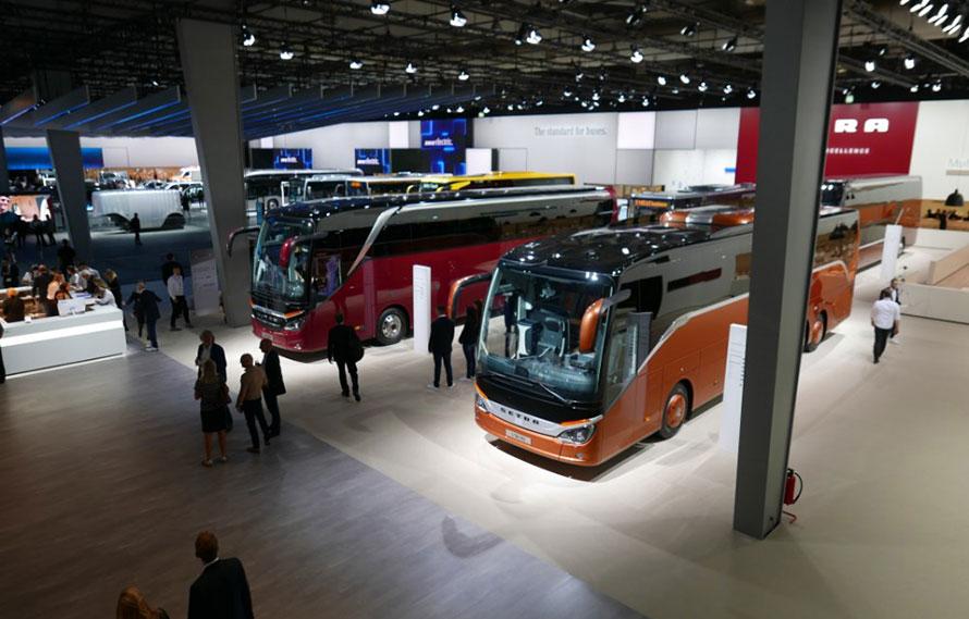 ゼトラ製観光バス