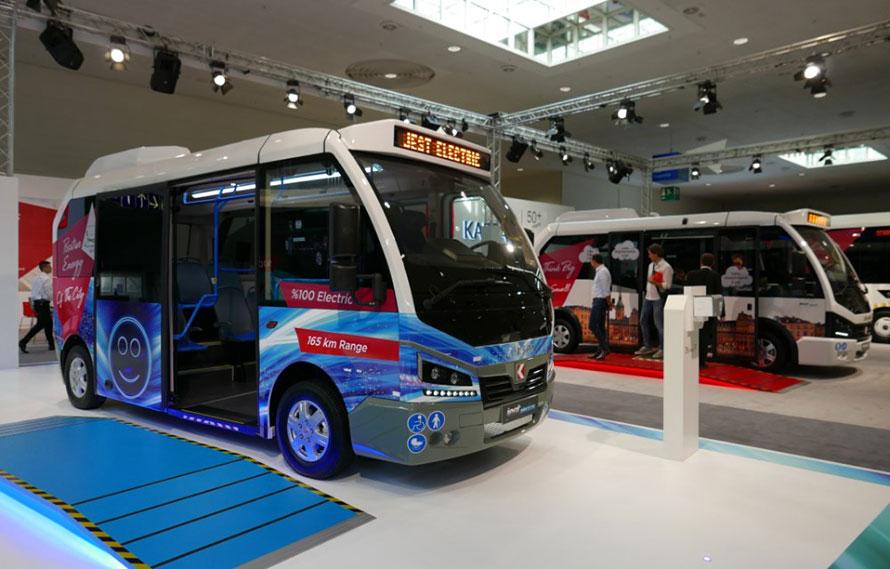 トルコ、カルサン社製EV路線バス。デザインがユニーク
