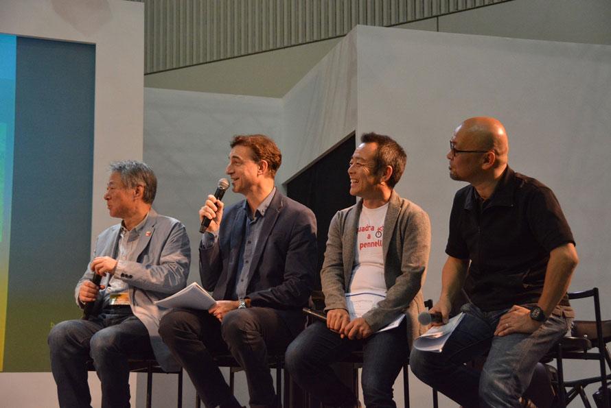 左より右へ、小林成基氏、ピーター・ライオン氏(モータージャーナリスト)、河口まなぶ氏(自動車ジャーナリスト)、疋田智氏。