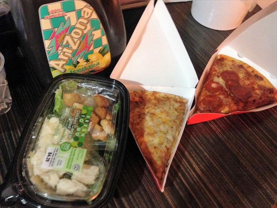 デリはこんな感じ。特に中華料理系は外れが低くておすすめ