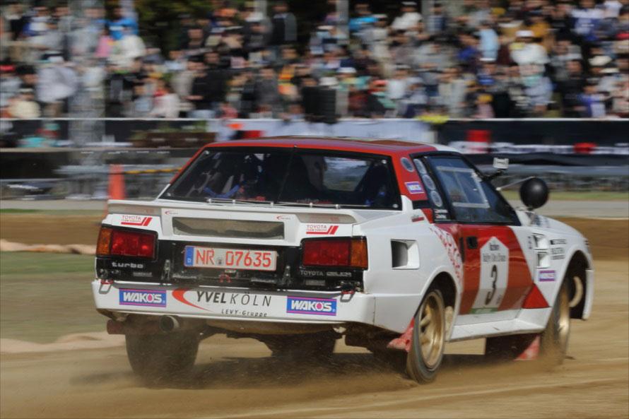 ラリーのメイン会場が県営新城総合公園に移った2013年は、会場内の特設コースでのデモランとなった