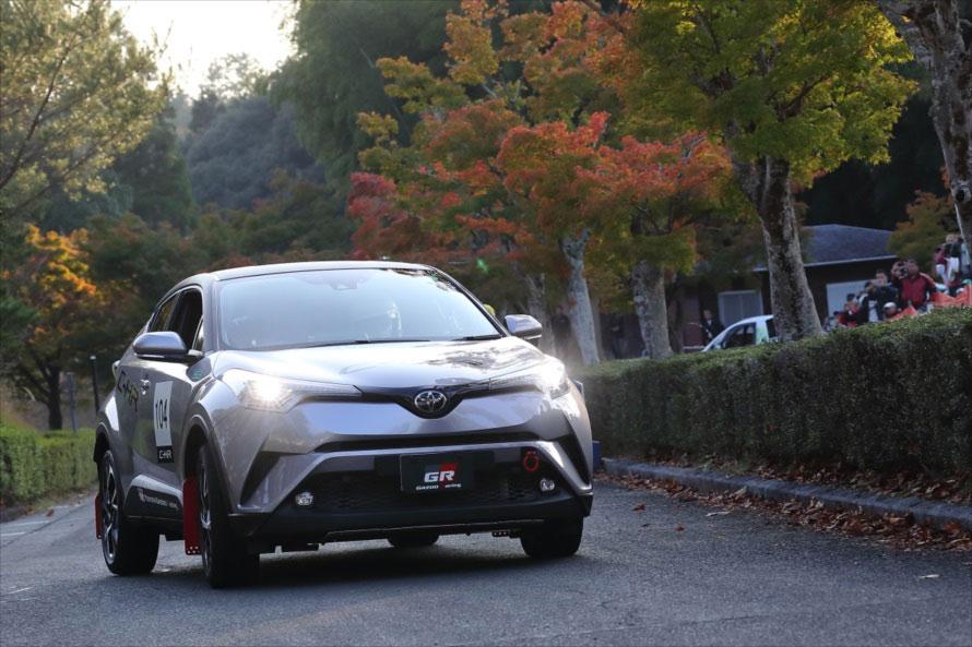 2016年には発売前のトヨタ CH-R。なんとマニュアルトランスミッションのラリー仕様
