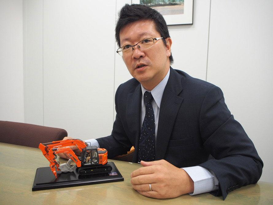 ASTACOの開発経緯について語る、日立建機株式会社 広報戦略室の小俣貴之さん