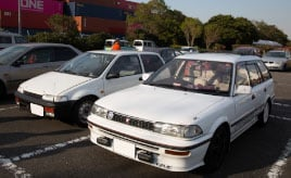 自動車ライターの解説も楽しい1990年代車のイベント「90's Car session」
