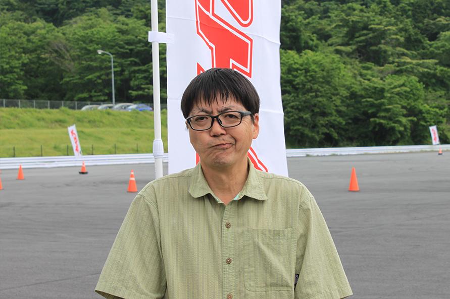 本郷編集局長