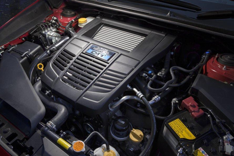 レヴォーグ2.0GT-S EyeSightのエンジンも、出力やトルクは2.0STI Sport EyeSightと変わらない。燃費(JC08モード)も同様で、13.2km/リットルとなっている。
