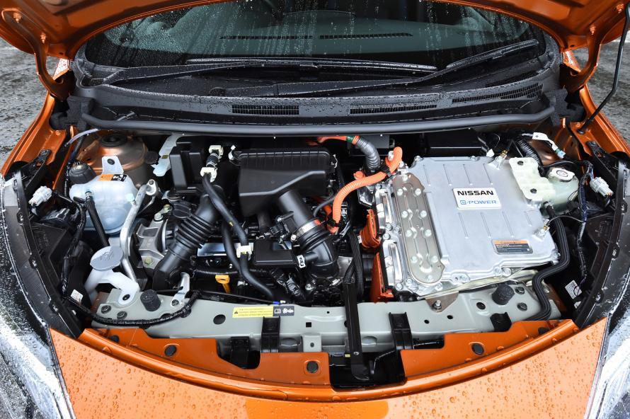 ノートe-POWERのパワーユニット。NISMO仕様車も最高出力や最大トルクなど基本的なスペックは同じだが、特別チューンのVCM(Vehicle Control Module)が搭載される。