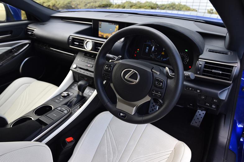 レクサスrc f 運転席まわりの機能装備 徹底検証 トヨタ自動車のクルマ