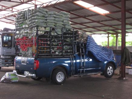 タイの小口配送トラック(個人の運送屋さん)