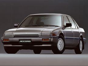 ホンダ・アコード … 「日本カー・オブ・ザ・イヤー」受賞車