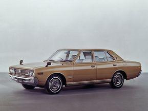 絶版モデルとなった往年の人気車種「グロリア」