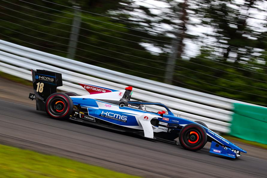 2位表彰台獲得 carrozzeria Team KCMG 小林可夢偉選手