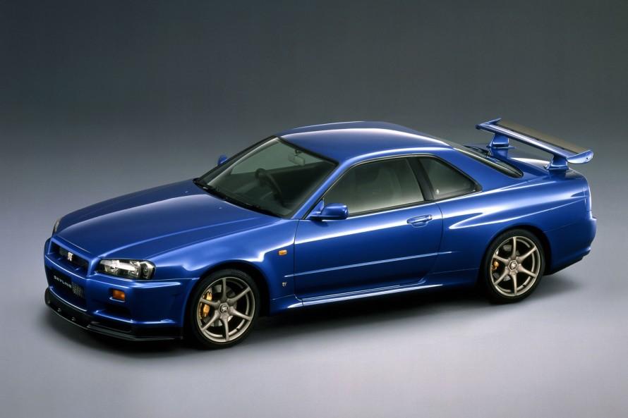 """第2世代GT-Rの""""トリ""""を飾ったR34型も、販売終了から今年で17年。この世代のGT-Rは「基本的には丈夫なクルマ」とのことだが、「このタイミングでメンテナンスを……」と考えるオーナーは多いようだ。第2世代GT-Rの""""トリ""""を飾ったR34型も、販売終了から今年で17年。この世代のGT-Rは「基本的には丈夫なクルマ」とのことだが、「このタイミングでメンテナンスを……」と考えるオーナーは多いようだ。"""