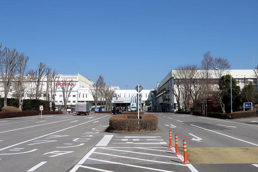 NSXのリフレッシュセンターは、かつて高根沢工場があった栃木県芳賀町の本田技研工業施設内に位置している。1993年というサービスの開始時期からも分かるとおり、NSXリフレッシュプランは古くなったNSXのレストアではなく、同車のスポーツ性を保ち、新車時と変わらぬ状態とすることを目的としていた。