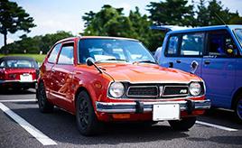 【GAZOO クルマクイズ Q.75】1972年にデビューした「ホンダ・シビック」には、1974年に高性能モデルの「RS」が追加されます。RSとは何の略?