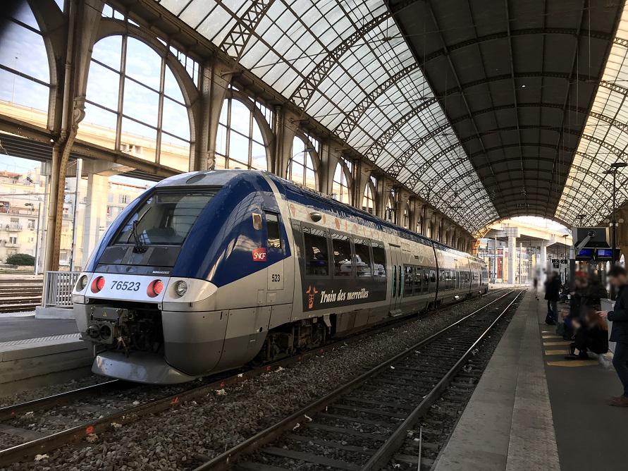 フランス国鉄のニース駅。