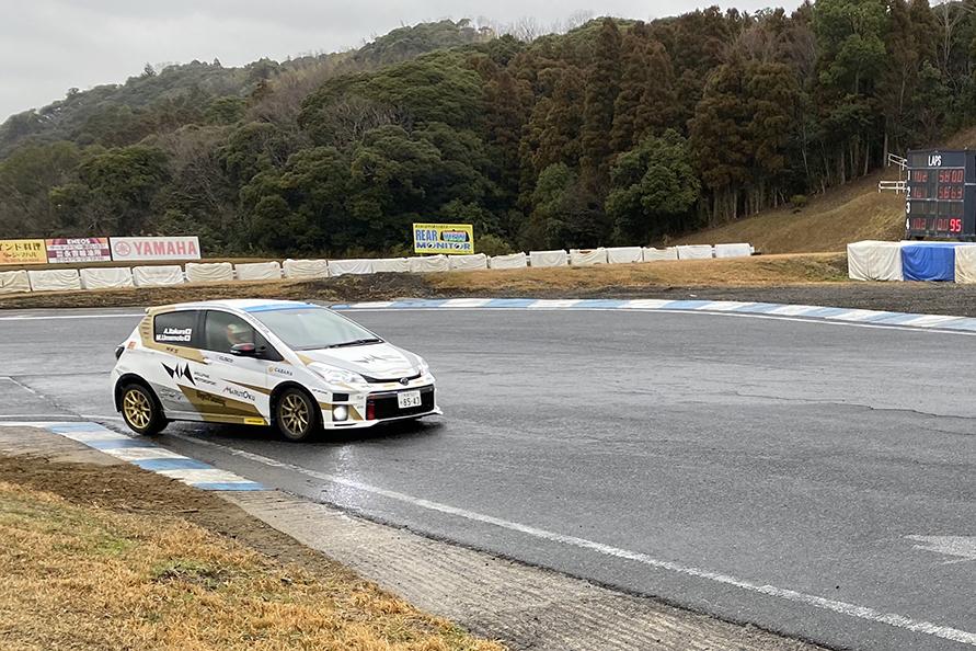 茂原ツインサーキットでのタイヤテストのようす。私は名古屋でお仕事があったので、残念ながら参加できませんでした。