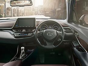 トヨタ C-HR 商品解説 一体感のあるコックピット、広がる視界 (2016年12月)
