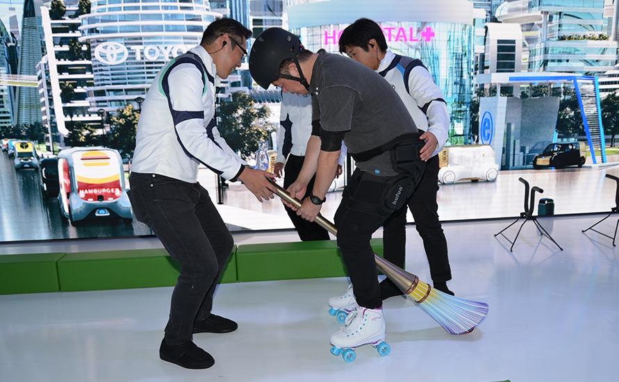 FUTURE CITY FLYER(「e-broom」)