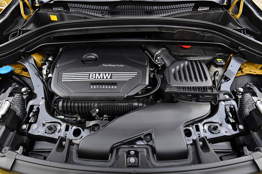 X2 xDrive20i M Sport Xの2リットル直4ターボエンジン。X2シリーズにはこのほか、1.5リットルモデルも存在する。